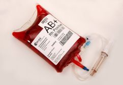 800px-Ics-codablock-blood-bag_sample